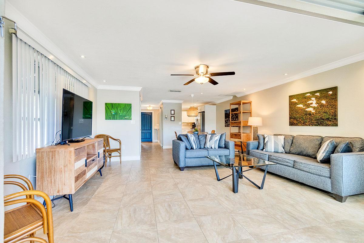 Beach-Road-Villas-Sanibel-Florida-SeaOats-Lighthouse
