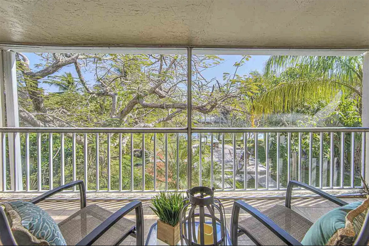 Beach-Road-Villas-Sanibel-Florida-DriftWood-Sandpiper